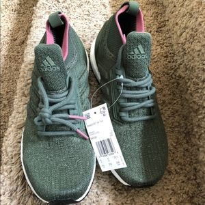 adidas ultra boost shoes Women Brand New